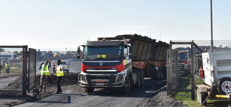 Coal from Kangra Coal is trucked to Panbult Siding, from where it is loaded and railed to Richards Bay. Image credit: Leon Louw