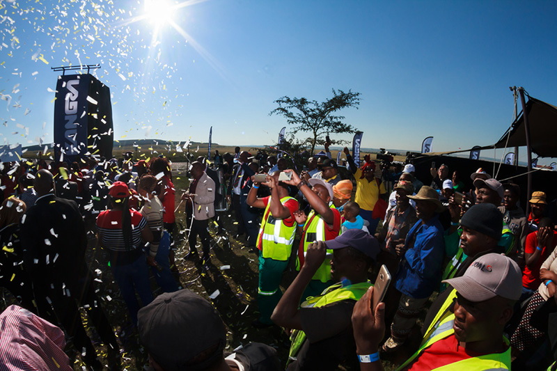 Celebrations as the workers and community and Kangra Coal each receive 5% shares in the mine. Image credit: Canyon Coal